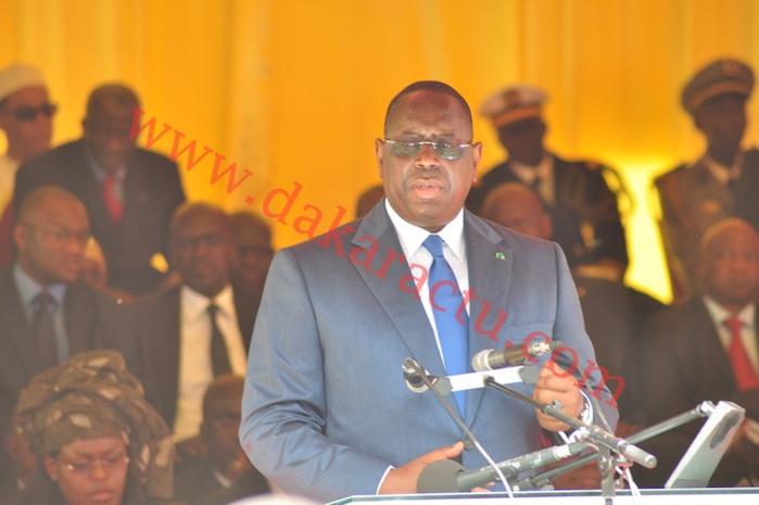 Le président de la République Macky Sall a présidé la cérémonie de prise d'armes à la Place de l'indépendance