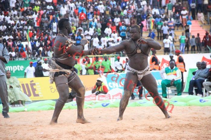 Combat Balla Gaye II contre Eumeu Sène au stade Demba Diop : retour en images des temps forts de la journée