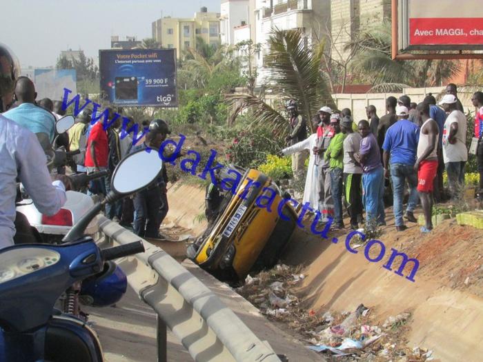 Accident : un taxi s'est renversé dans le canal à hauteur des Maristes ce matin aux environs de 09h 30mn