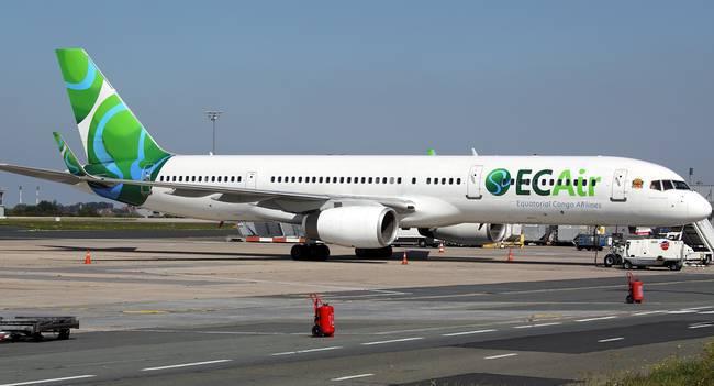 Un Boeing de la compagnie nationale Ecair qui a récemment inauguré une desserte à Dakar, saisi à Paris