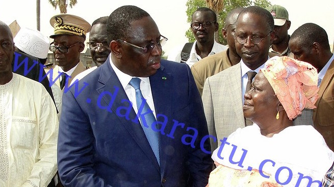Le président subit la chaleur de Kaffrine