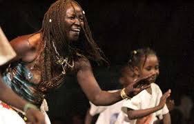 Usage de drogue : L'ex danseuse de Touré Kunda arrêtée à Malika