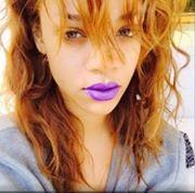 Rihanna devient rousse!