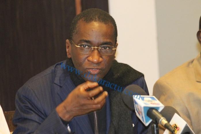 Contentieux Bolloré/Gouvernement Wade : Racine Sy évoque cette « situation difficile » : « nous avons tourné la page, mais nous n'avons pas oublié »