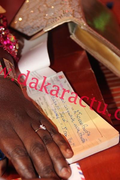 N'della Madior Diouf : elle se permet de distribuer de l'argent à Waly Seck