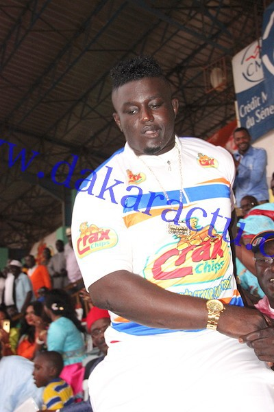 "Combat Gris Bordeaux contre Tyson : Le ""bakk"" de Balla Gaye II au stade Demba Diop"