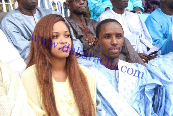 Stade Demba Diop : le marabout jet-setter Mounsir Niass en compagnie de sa femme