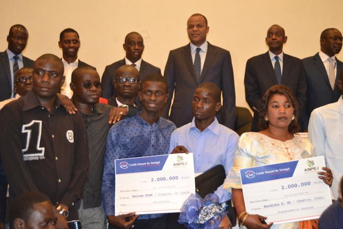 Cérémonie de remise de financement à 300 jeunes : ANPEJ et WARI s'engagent à créer 8 000 emplois