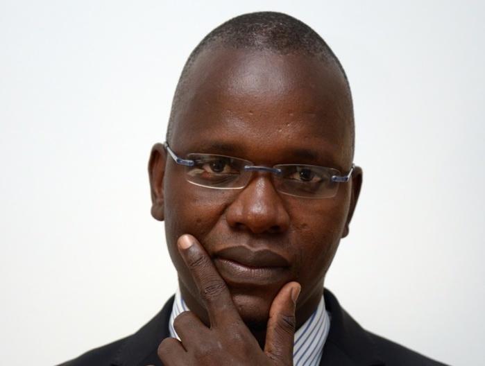 Page Facebook de Abdou Khadre LO  : Députés du Président, députés du peuple.