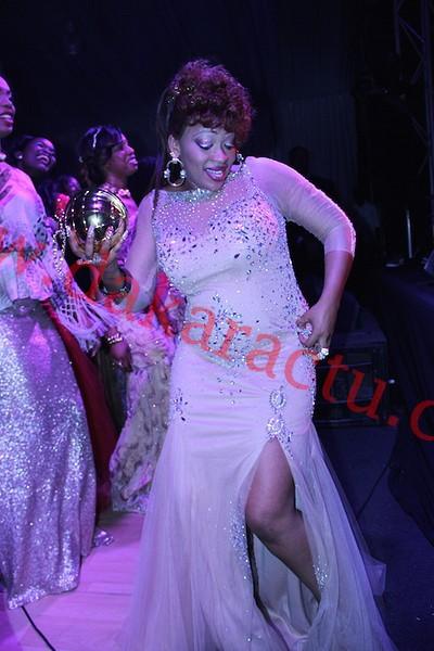 "Diner de gala Wally Ballago Seck : la danseuse Oumou Sow au rythme de ""Ma Sante Yalla"""