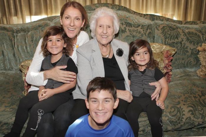 Céline Dion : un hommage à sa mère, entourée pour l'occasion de ses petits-enfants