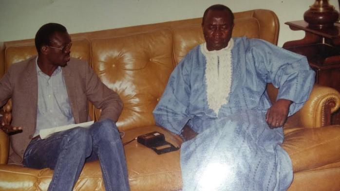 SOUVENIR : Le journaliste Moriba Magassouba avec feu le juge Kéba Mbaye lors d'une interview à Dakar en 1988!