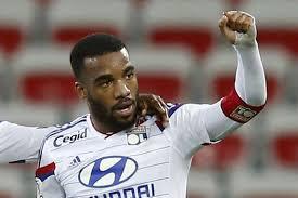 Ligue 1 - Sacré meilleur joueur, Lacazette met fin au règne d'Ibra