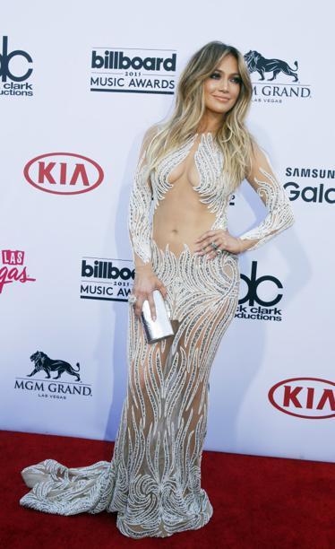 Jennifer Lopez nous montre (encore) tout