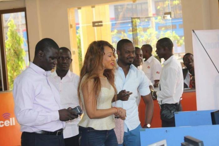 Pour son anniversaire : Viviane avec Baba Hamdy à Banjul