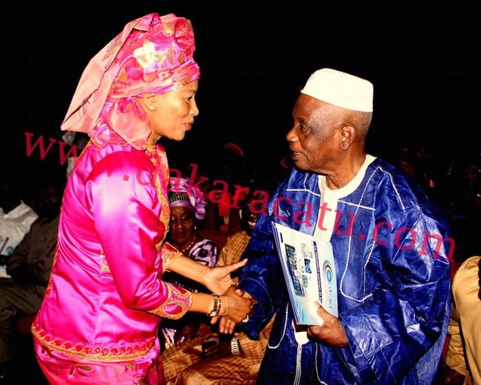 Calebasse de l'Excellence : l'Honorable député Me Aissata Tall Sall, femme de l'année 2015