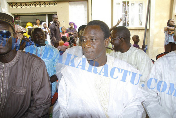 Thione Seck conduit au Commissariat central de Dakar