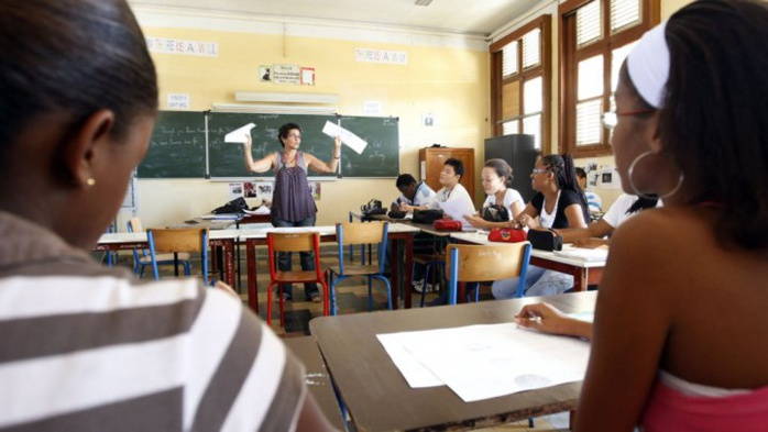 """Le """"tchip"""" interdit dans certains collèges et lycées en France"""
