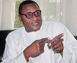 El Hadji Daouda Faye demande à Hayatou de démissionner de la présidence de la CAF