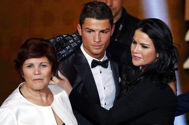 La mère de Ronaldo arrêtée à l'aéroport avec 55 000 euros