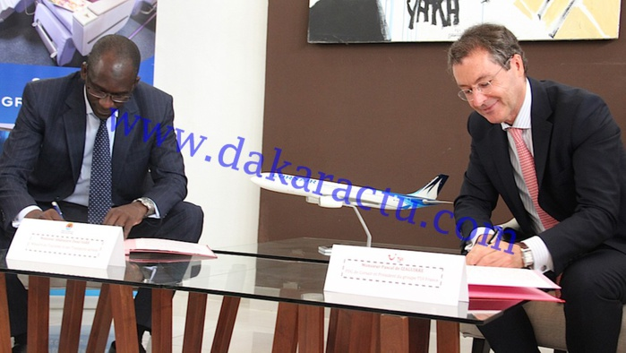 """Les images de la signature de la charte d'engagement pour la baisse des tarifs et la promotion de """"la Destination Sénégal"""""""
