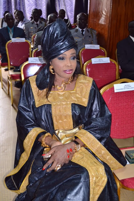 Diouma Dieng Diakhaté élevée au grade de Commandeur de l'Ordre National du Lion par le président de la République Macky Sall