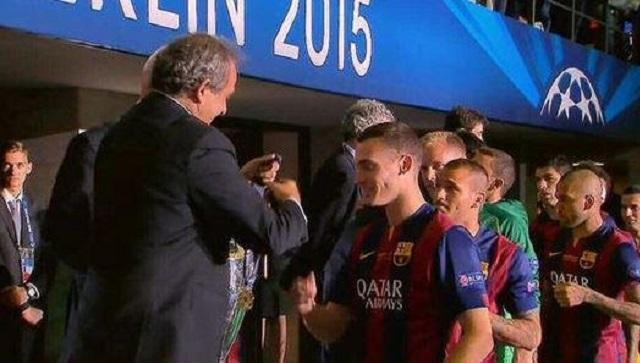 Ligue des champions: L'UEFA demande au Barcelonais Thomas Vermaelen de rendre sa médaille