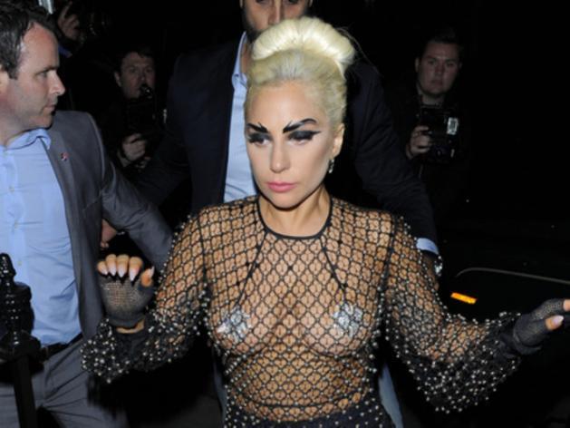Lady Gaga s'engage contre les violences sexuelles sur les campus américains