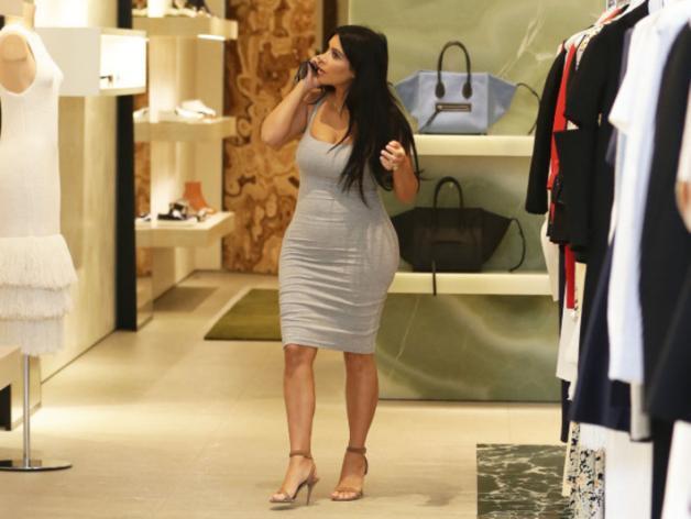 Kim Kardashian : ses premières rondeurs de femme enceinte