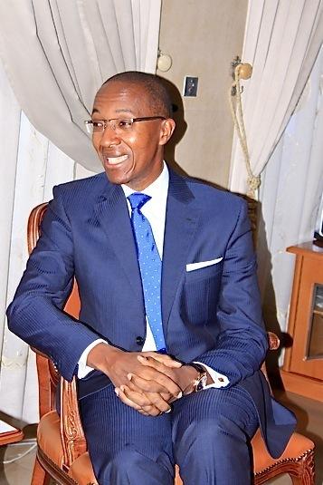 Face aux étudiants à l'UGB, l'ancien Premier Ministre, Abdoul MBAYE, déclare : «Chers étudiants, j'ai trouvé des villageois en train de manger du son de mil avec du tamarin! »