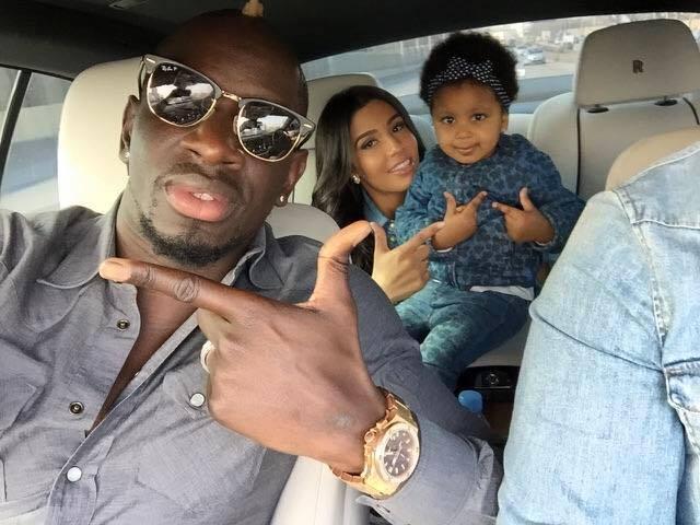 Le franco-sénégalais Mamadou Sakho en vacances au Sénégal avec sa petite famille