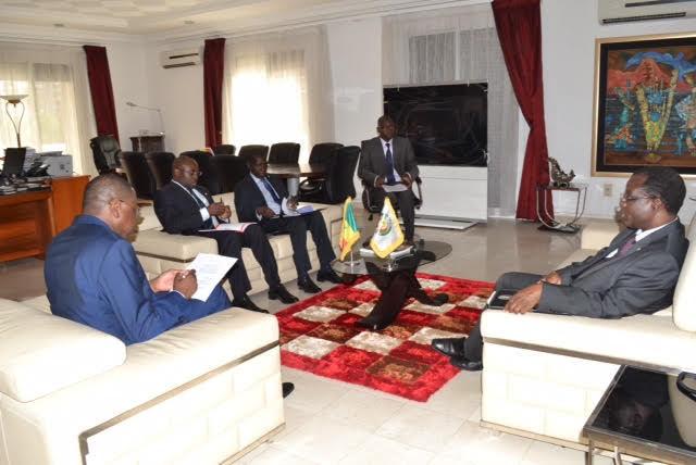 Son Excellence Mr Mankeur Ndiaye MAESE reçoit Mr Désiré Kadré Ouédrago Président de la Commission de la CEDEAO