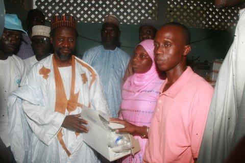 Grâce à Cheikh Mahi Cissé : 40 millions de francs CFA en dons remis à des structures