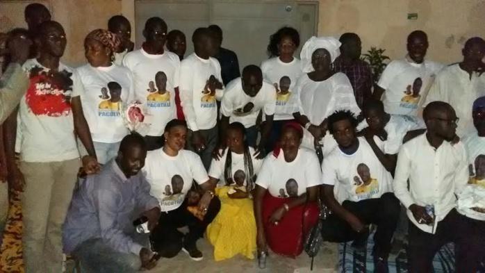 """Le mouvement """"Jeunesse Libérale"""" de Hlm Grand-Yoff a organisé un """"ndogou"""" en hommage au rappeur décédé Pacotille (IMAGES)"""