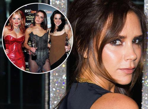 Victoria Beckham avoue que ses looks à l'époque des Spice Girl étaient « horribles »