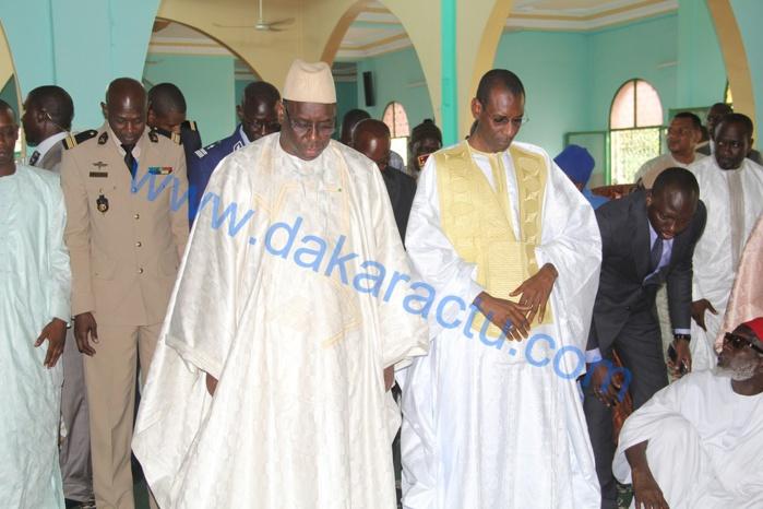 Macky Sall a prié à la mosquée de Liberté VI : « Depuis 1976 que cette mosquée existe, l'Etat n'a jamais rien fait! » Chérif Mamine Aïdara  ( images )