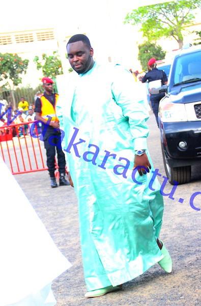 Aid El Fitr : Amadou, le fils du président Macky Sall a prié aux cotés de son père à la grande mosquée de Dakar