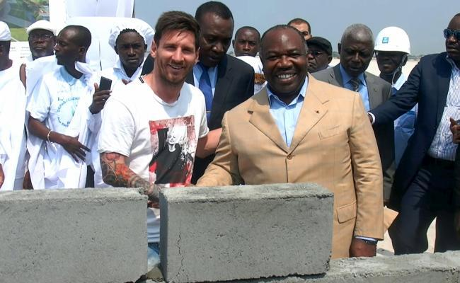 Gabon : Messi participe à la pose de la première pierre d'un stade
