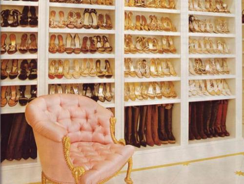 Mariah Carey : son dressing à chaussures nous fait rêver…