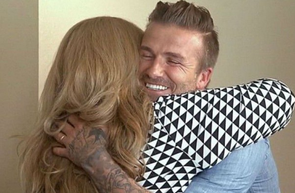David Beckham offre 100 000 dollars à une famille californienne...Emotion garantie (video) !