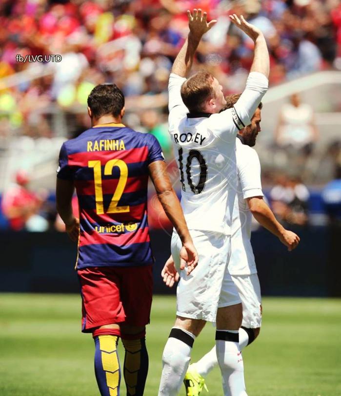 Manchester United domine le Barça (3-1)