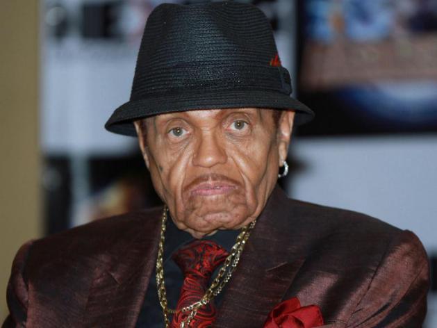 Mais qui est Joe Jackson, le père du Roi de la pop?