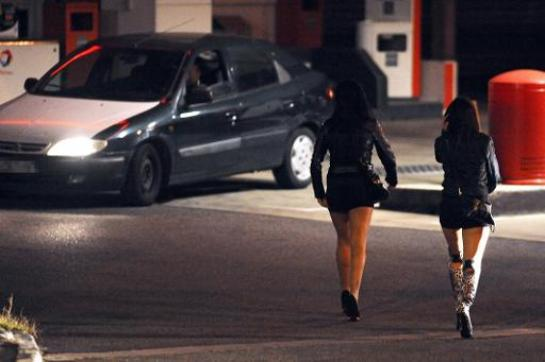 Amnesty International surprend en prônant la dépénalisation de la prostitution