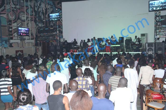 Programme de vacances dans les boites de nuit à Dakar : soirées discothèques ou live pour vibrer au rythme des différents artistes
