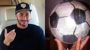Benzema s'offre un ballon en diamant