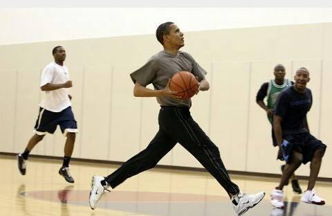 Barack Obama : En plein match de Basket