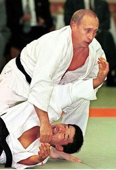 Quand le président Poutine dévoile ses talents de judoka