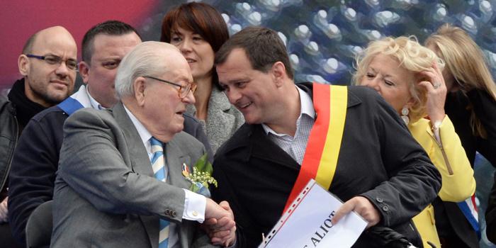 Louis Aliot a voté contre l'exclusion de Jean-Marie Le Pen lors du bureau exécutif du FN