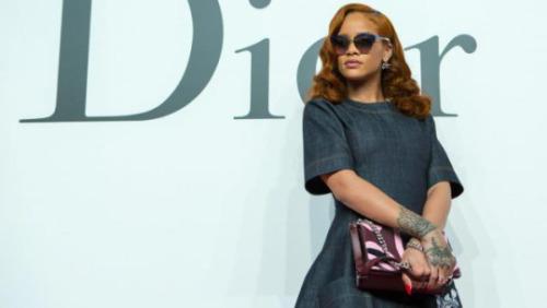 Rihanna en couple avec Lewis Hamilton ? Découvrez le cadeau ultra sexy du pilote de Formule 1