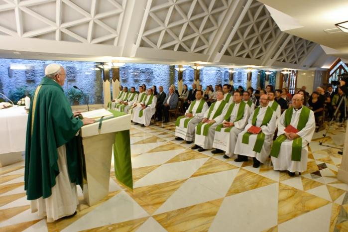 Le pape François veut que tous les prêtres puissent pardonner l'avortement !